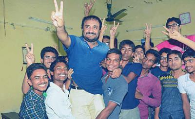 Anand Kumar's super 30 students crack IIT JEE